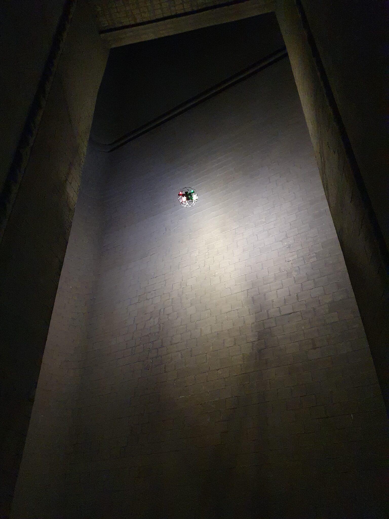 Inspektion Schornstein 200 m mit Innenraumdrohne